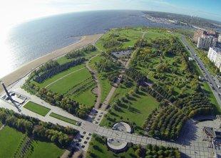 Участники VK Fest вытоптали газоны парка 300-летия