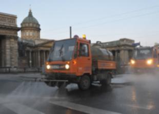 В СПб официально начался сезон весенней уборки